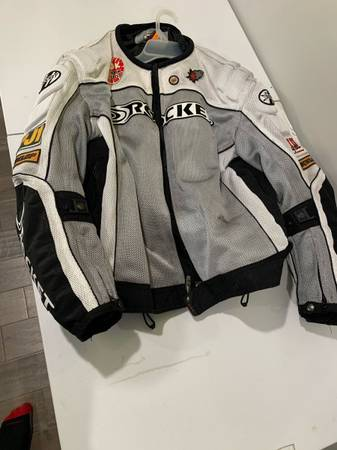 Photo Motorcycle jacket - joe rocket w padding xl - $50 (Mooresville)