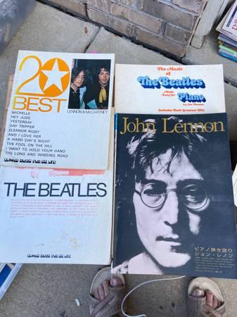 Photo Music books the Beatles, piano, John Lennon, 20 best songs - $20 (New Palestine)