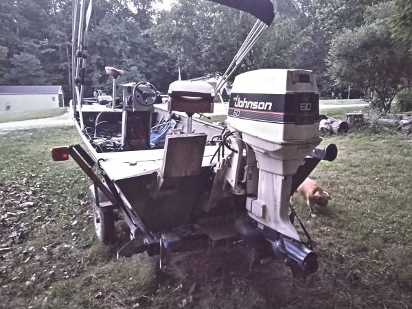Photo One owner 2008 alumnacraft with 1988 Johnson 60hp jet with tons of new - $8000 (Martinsville)