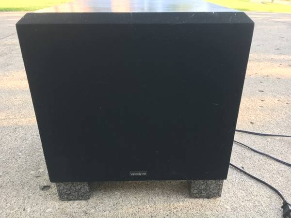 Photo Powered Subwoofer Velodyne Sound System - $135 (116th and Town Road)