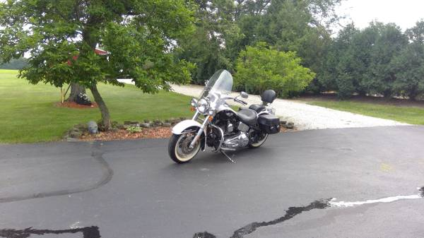 Photo REDUCED $500. HARLEY SOFT TAIL DELUXE - $6,500 (Franklin Twp)