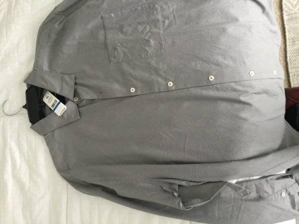 Photo Tommy Bahama new long sleeve shirt - $40 (Carmel)