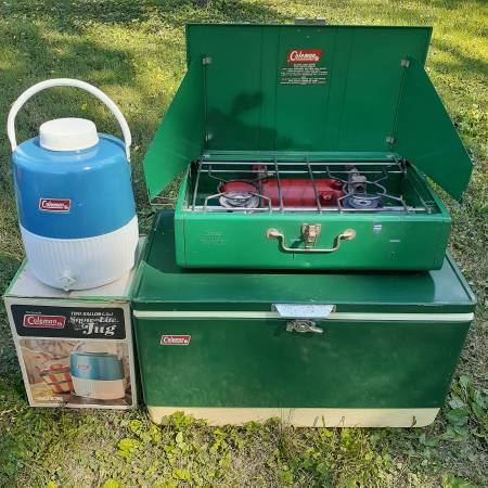 Photo VINTAGE 6070s Coleman USA Cing Vacation Cooler Stove Water Jug Set - $250 (West IndyPlainfield)