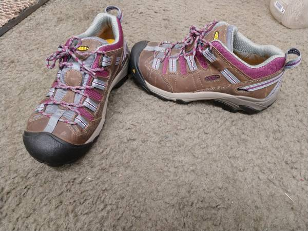 Photo Womens Safety Shoes by Keen - $40 (West Side Indy)