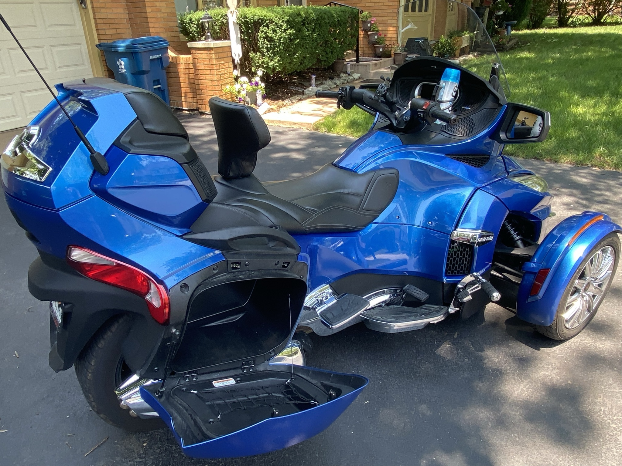 Photo Used 2018 Can-Am Trike Motorcycle  $21280
