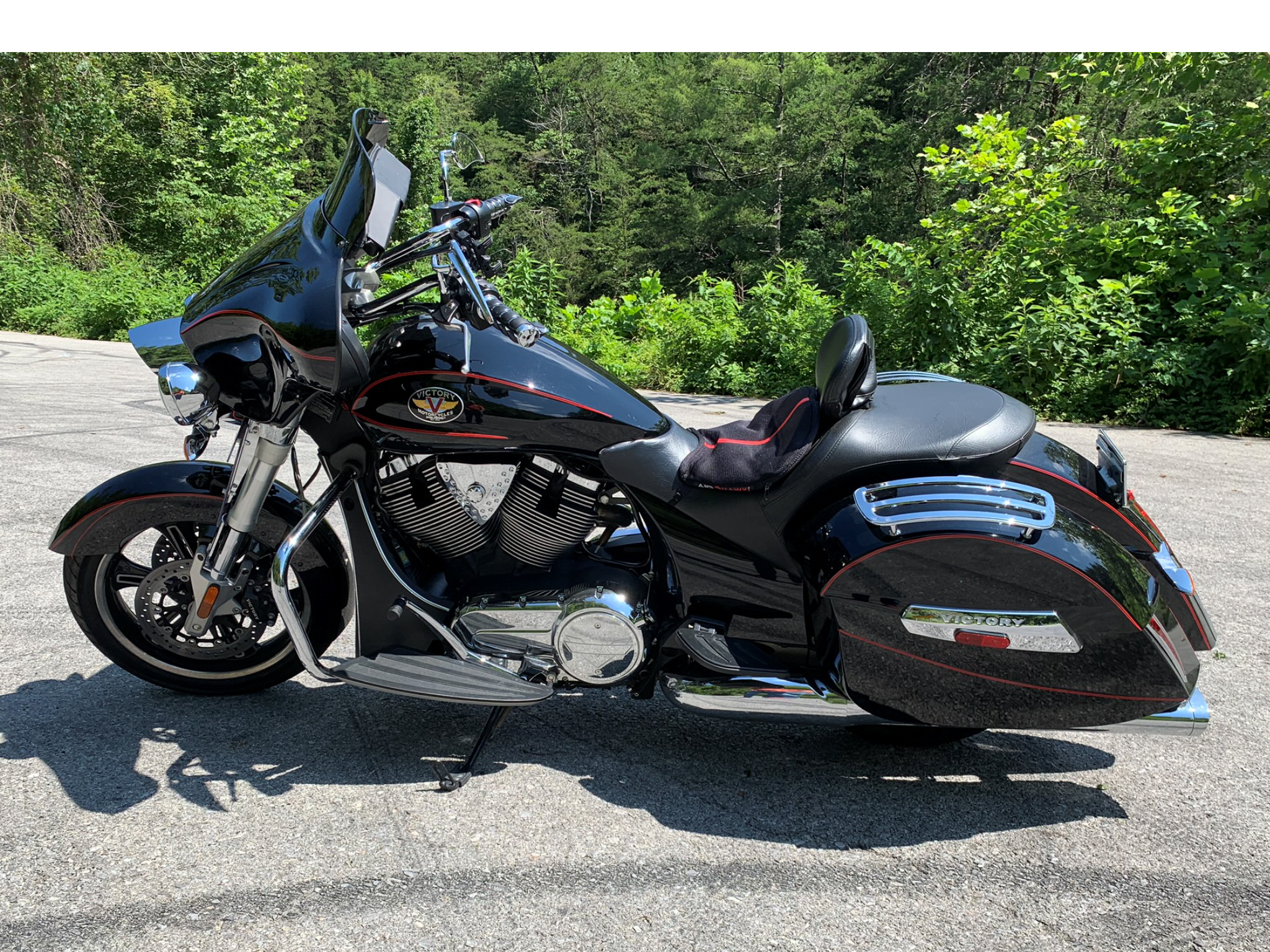 Photo Used 2010 Victory Cruiser Motorcycle  $8850