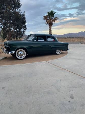 Photo 1954 Ford Mainline - $14000 (Apple Valley)