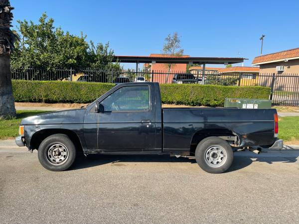 Photo 1990 D21 Nissan Hardbody - $2,900 (riverside)