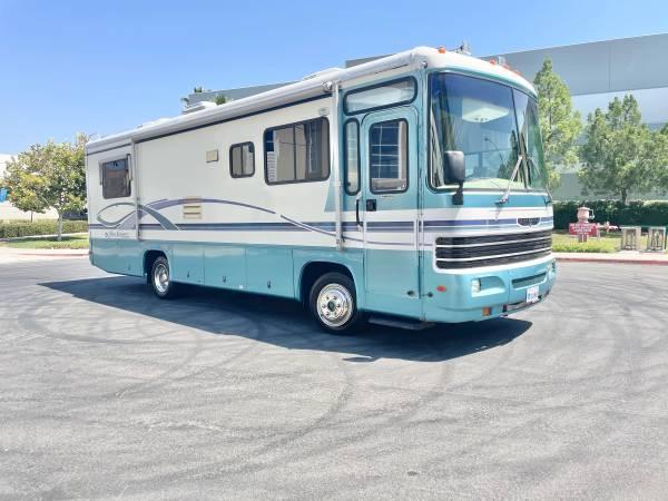 Photo 1998 golf stream 30ft Diesel pusher 60k miles Beautiful must see - $22,500 (Corona)