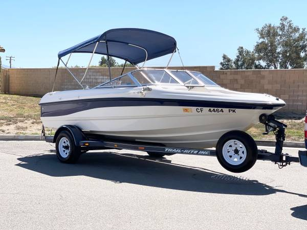 Photo 1999 chaparral 18 foot water ready Price is firm - $8,200 (Riverside)