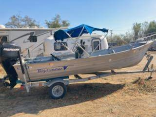 Photo 19 ft Bay Runner Center Counsel 60 horse Mercury 4 stroke 2008 10 hour - $7,800 (Riverside)
