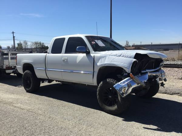 Photo 2001 GMC SIERRA 5.3 2WD PARTING OUT - $1 (FONTANA)