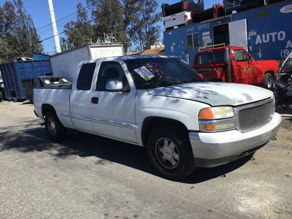 Photo 2002 GMC SIERRA 5.3 2WD PARTING OUT - $1 (FONTANA)