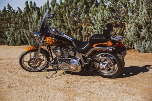 Photo 2002 Harley Davidson Softail CUSTOM - $12,500 (Palmdale)