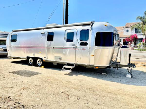 Photo 2006 Airstream classic 30ft Limited 75th anniversary - $54,900 (Moreno Valley ca)