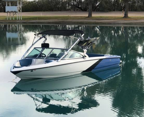 Photo 2011 Mastercraft X7 wakeboardski boat - $39,500 (Canyon Lake)