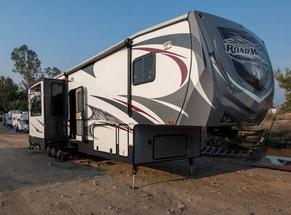 Photo 2013 Heartland Road Warrior 390RW12 foot Garage - Mileage - - $0.00 (Mentone)