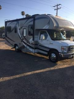 Photo 2014 Chataue 23ft mini home with v10 Ford engine 23,000 miles - $45,500 (Phoenix)