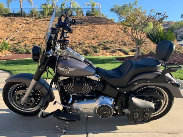 Photo 2016 Harley Davidson Fat Boy Lo (FLSTFB) - $16,999 (san bernardino)