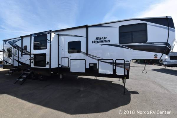 Photo 2019 Road Warrior 430RW 5th Wheel Toy Hauler - KING BED - Loaded UP - $74,999 (Norco)