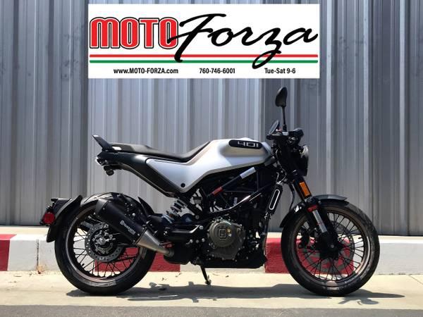 Photo 2020 Husqvarna Vitpilen 401  A real head-turner - $4,999 (Moto Forza Escondido)