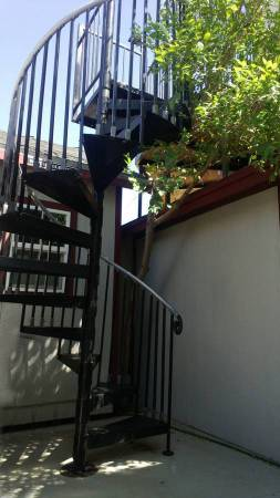 Photo $295 Guest House Furnished, utilities  wifi included WEEKLY (Hesperia, Apple Valley, Victorville, High desert)