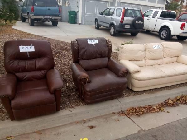 Photo 2 Recliners and 1 Sofa FREE (Moreno Valley)