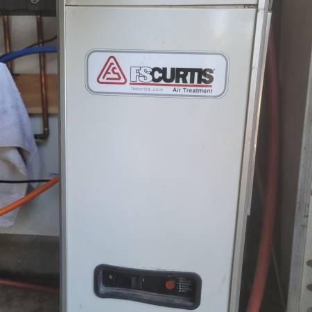Photo Air compressor air dryer - $300 (Menifee)