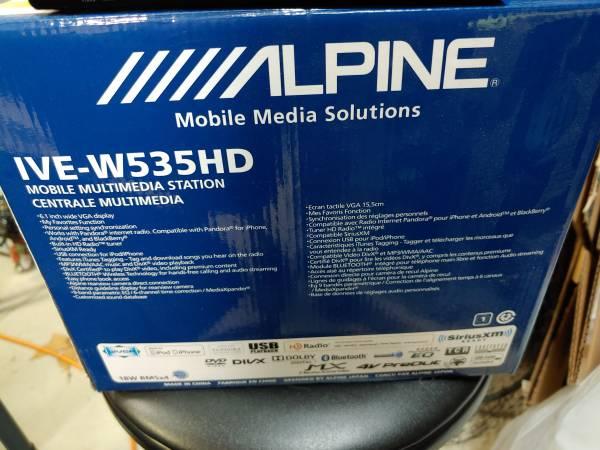 Photo Alpine Car Stereo Double Din - $225 (Murrieta)