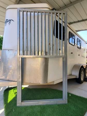 Photo BARN Horse Stall Sliding doors - $250 (Fontana)
