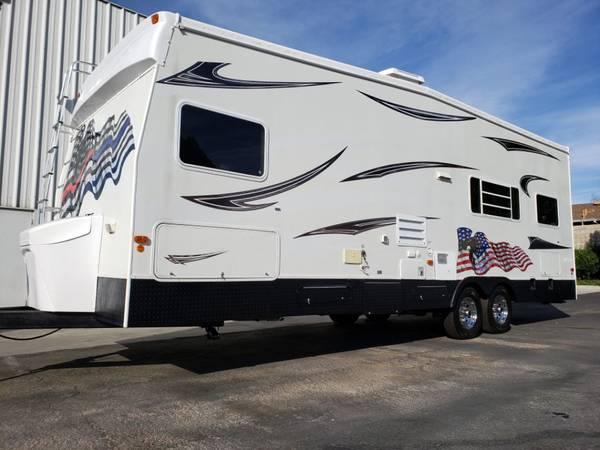 Photo Coachmen Adrenaline M-274 - 200 gallons fresh water - $18,000 (Fontana)