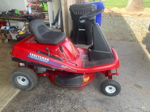 Photo Craftsman Riding Mower 13.5 HP420 cc NEW Excellent Condition 30quot - $725 (Rialto)