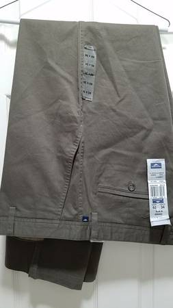 Photo Dockers Pants, 40 waist, 34 inseam, Khaki Olive Green - $8 (Norco, CA River Road at 2nd St)