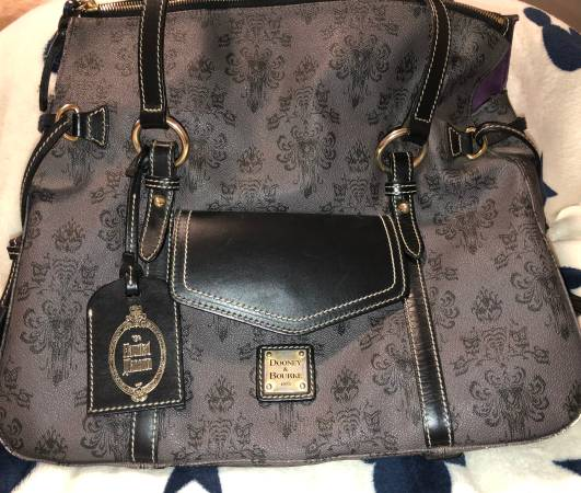 Photo Dooney and Bourke Haunted Mansion Purse - $300 (Moreno Valley)