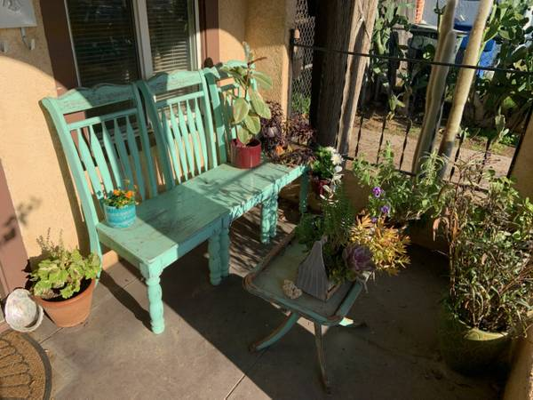Photo FEMALE ROOM FOR RENT (DOWNTOWN RIVERSIDE)