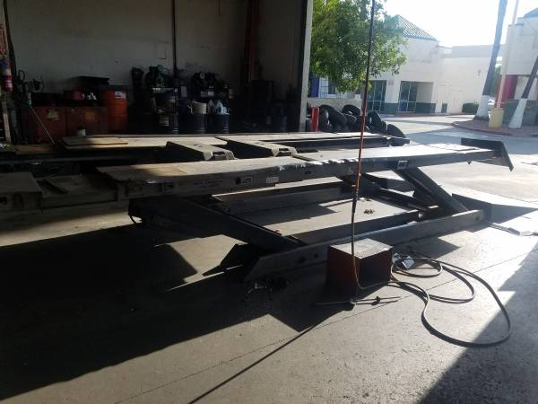 Photo FMC 2 Alignment Rack Scissor Lift - $1200 (Corona - Riverside)
