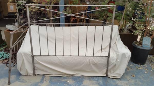 Photo Full Size Bed Headboard  Metal Bed Frame Size Full - $100 (Lake Arrowhead)