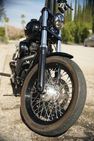 Photo Harley Davidson 2016 dyna streetbob FXDB - $14,000 (Riverside)