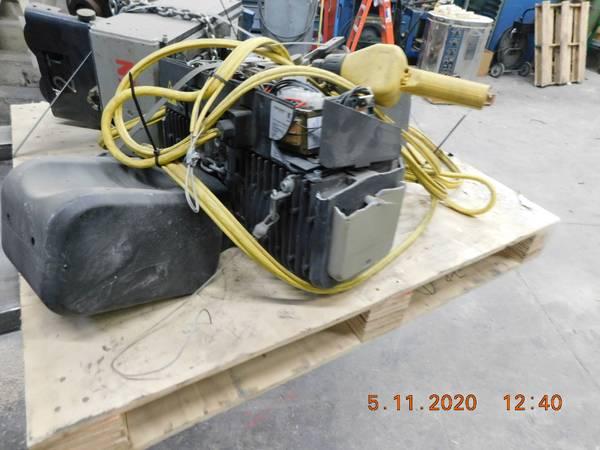Photo KONE CRANE 5 EA ,5,3,1 TON ELECTRIC HOISTS - $1,000 (san bernardino)