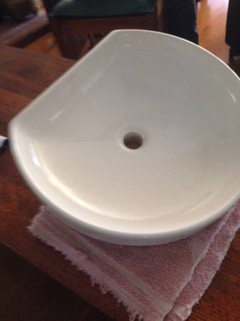 Photo Kohler Bathroom Sink - $50 (Riverside)