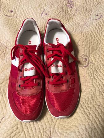 Photo Like New Diesel Tennis Shoes - $15 (HESPERIA)