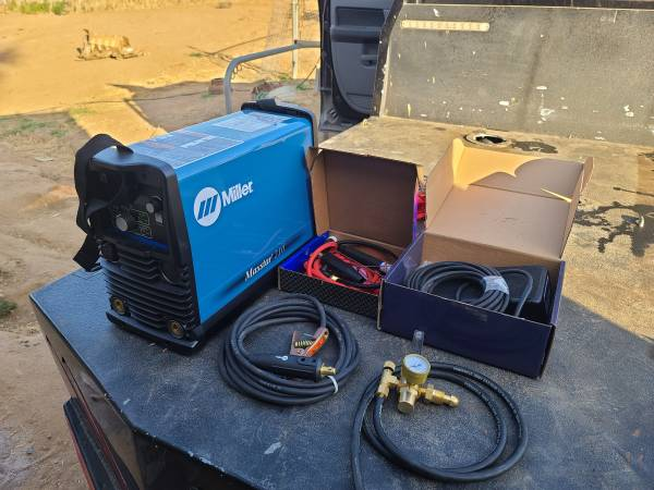 Photo Miller Maxstar 210 tig welder and accessories all brand new (Riverside)