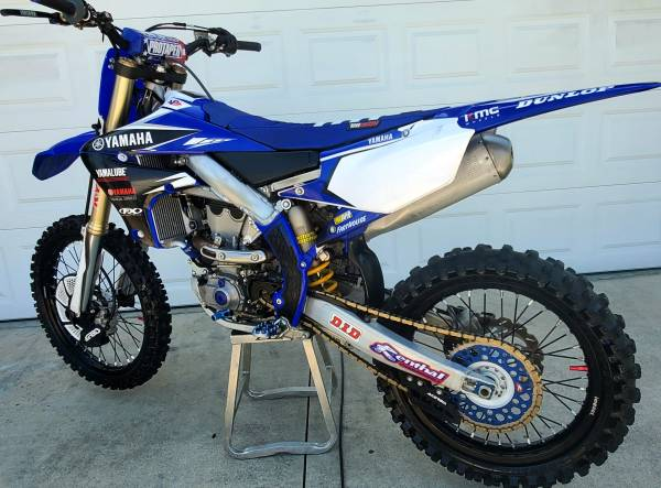 Photo NEW yz450f fuel injected ELECTRIC START NEED TO SELL - $6700 (open to offers)