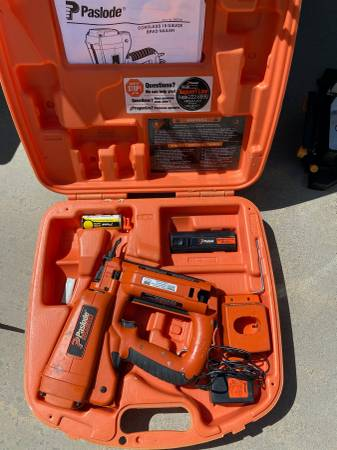 Photo Paslode Cordless 18 Gauge Brad Nailer - $150 (Victorville)