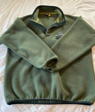 Photo Patagonia Synchilla Snap-T Fleece Pullover - $50 (Pomona)