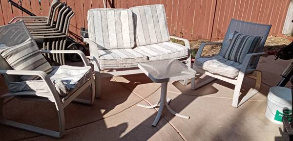 Photo Patio Outdoor Furniture Set - $100 (Temecula)