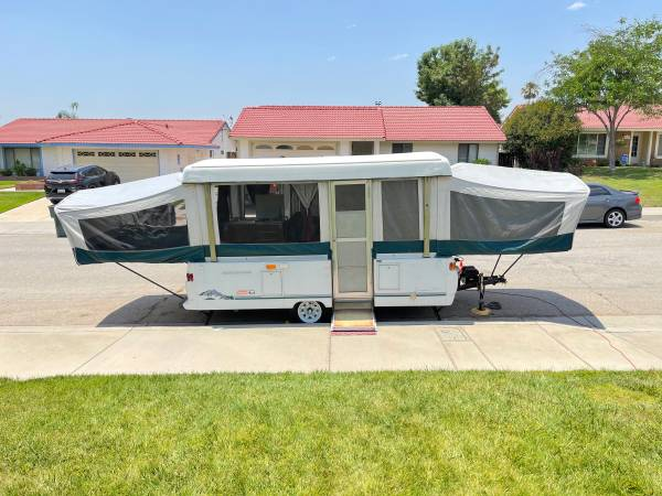 Photo Pop up cer  trailer 1999 Coleman Grandview SP (great condition) - $5,800 (Highland)