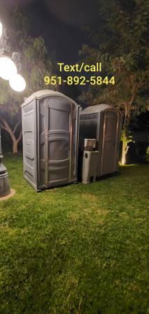 Photo Porta potty - Portable restroom (Riverside, Moreno valley, Fontana, Perris)