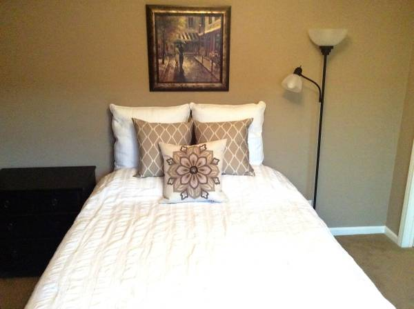 Photo Private Room - Fully Furnished Luxury Condo in Gated Community (Long Beach)