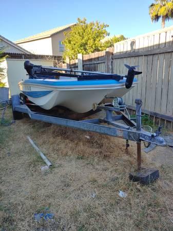 Photo Ranger boat - $1,900 (Hemet)